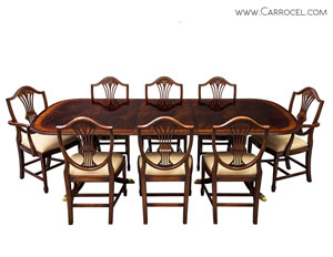 Carrocel's High Quality Flamed Mahogany Duncan Phyfe High Gloss Dining Table and Chairs Set
